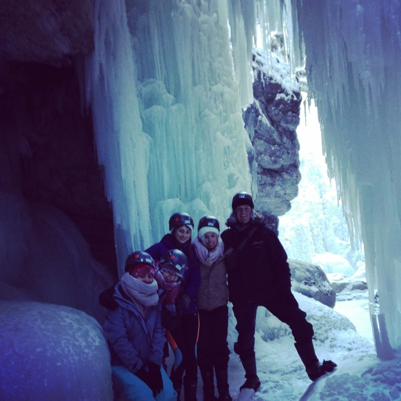Ice waterfall - Maligne Canyon.jpg